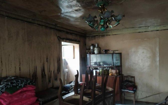 Ağdaşda 6 otaqlı ev əşyaları ilə birlikdə yanıb - FOTO