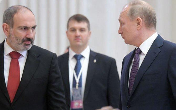 Ayaq altı olmağa adət etmiş dabanyalayanların Kreml çırpıntıları...