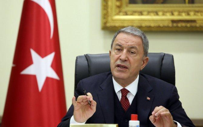 Türkiyə və Latviya müdafiə nazirləri arasında telefon danışığı olub
