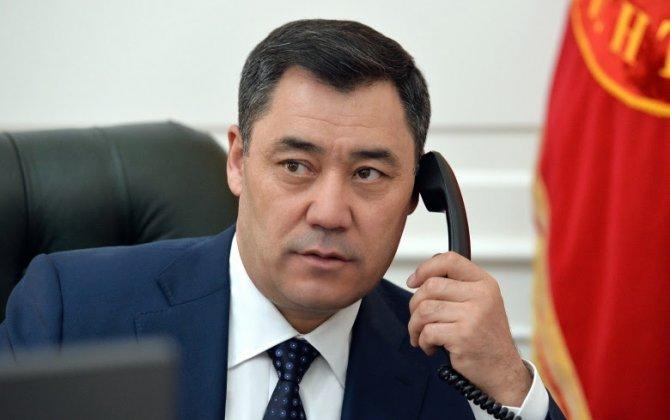 Tacikistan Prezidentinin Moskvaya səfərindən sonra Sadır Japarov qaçaraq Putinə zəng vurdu