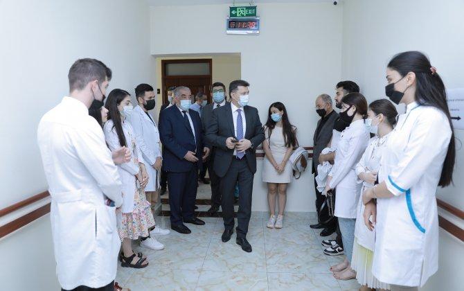 Rektor Dövlət imtahanlarının gedişini izləyib - FOTO