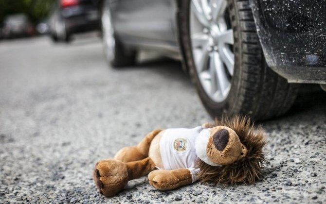 Şəkidə 9 yaşlı uşağı avtomobil vurdu, vəziyyəti ağırdır