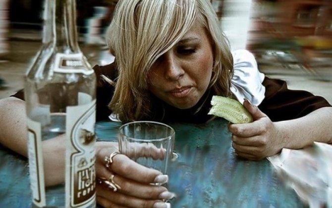 ÜST xanımların alkoqol içməsinin qadağan olunmasını təklif etdi...-İBRƏTAMİZ