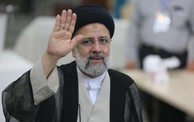 """Rəisi ilk mətbuat konfransını keçirdi: """"İran xalqı dəyişiklik tələb edir"""""""