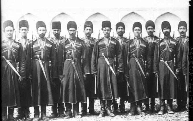 Türk Qacarlar sülaləsini Rusiyanın İrandakı kazak briqadasının komandiri devirdi...