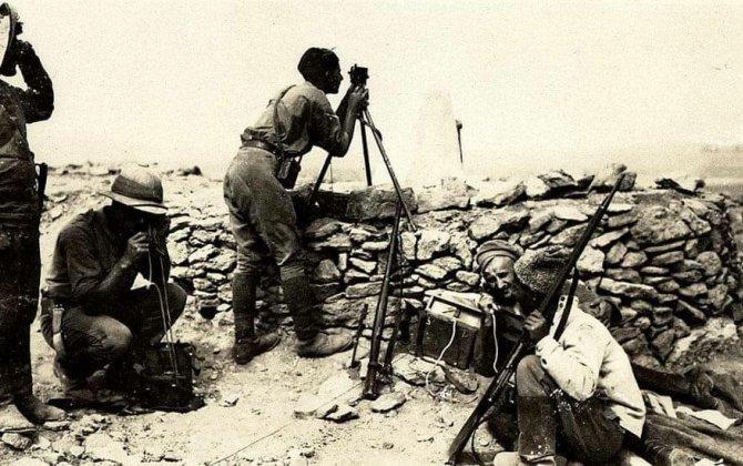 Britaniya Ordu Muzeyi ingilislərin Bakıda ermənilərlə təlim-döyüş fotolarını yaydı...