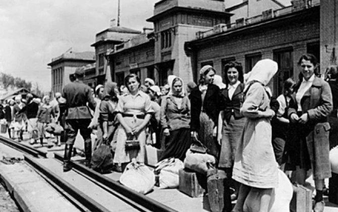 """Hitlerin """"ağ qulları"""" –5 milyon sovet vətəndaşı Almaniyada işçi qüvvəsi kimi istifadə edilib"""