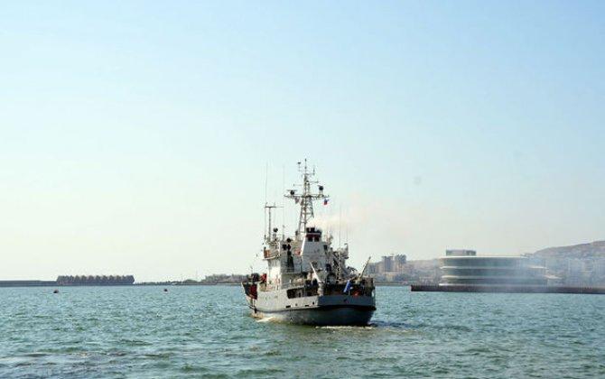 Rusiya gəmiləri Bakı limanını tərk etdi