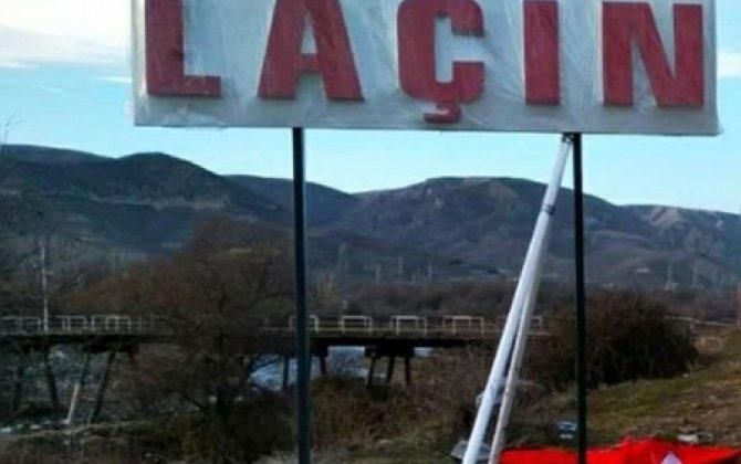 Laçın dəhlizində Azərbaycan bayrağı dalğalanır - VİDEO