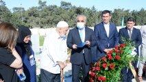 UNEC-in şəhid məzununun diplomu ad günündə məzarı önündə təqdim edildi - FOTO
