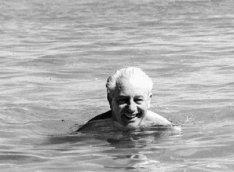 Okeanda yoxa çıxan baş nazir – 54 ildir Harold Holtun cəsədi tapılmır