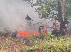 Yardımlıda davam edən meşə yanğınlarının söndürülməsinə helikopter cəlb edilib - FOTO/VİDEO