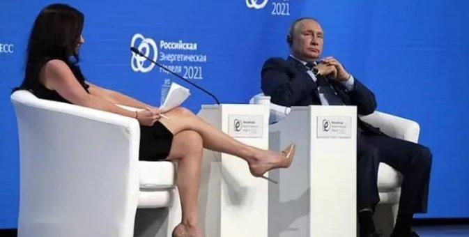 """""""Ayaqlarınla nə etmək istəyirdin?""""- Putinin qarşısında oturan aparıcıya sərt reaksiya..."""